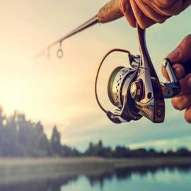 Pesca sportiva nel lago